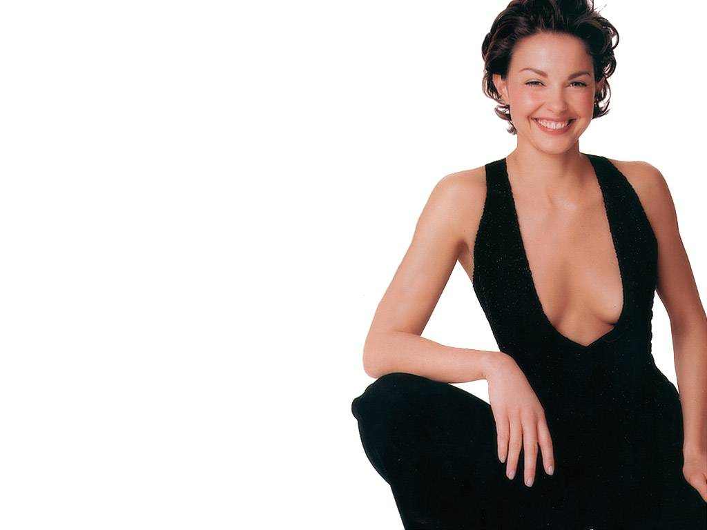 Actress ashley judd hot